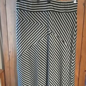 Pure Energy Maxi Skirt NWOT (18)